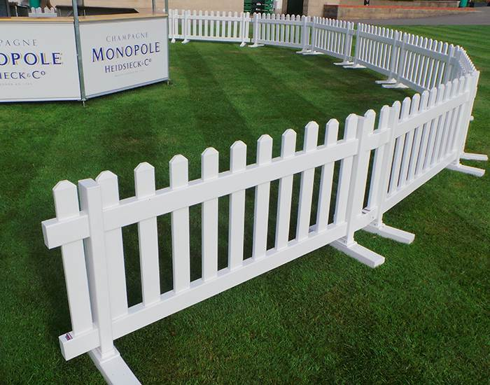 Temporary picket fence